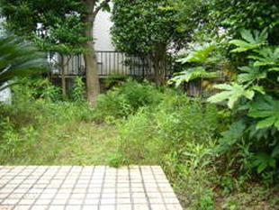 横浜市 K様邸 中庭 防草 舗装工事